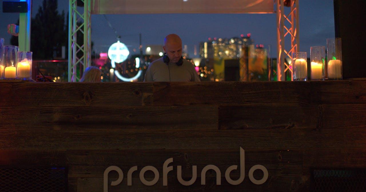 Profundo Pool (Night Session)