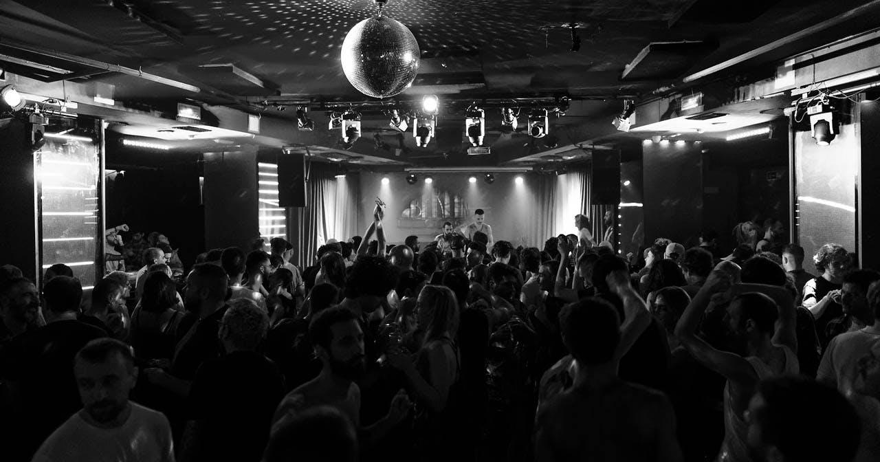 Inside look of berlinClub with bottle service
