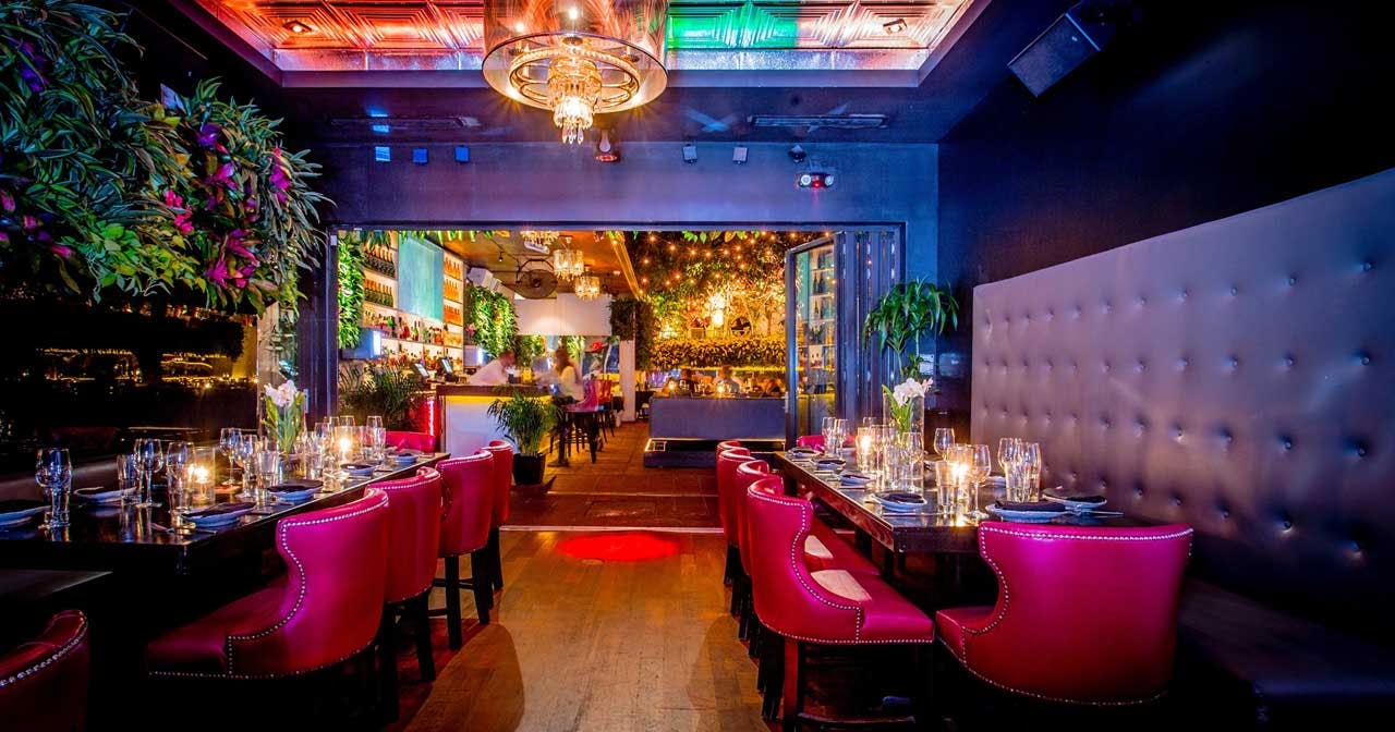 View of the interior of Bâoli after getting free guest list