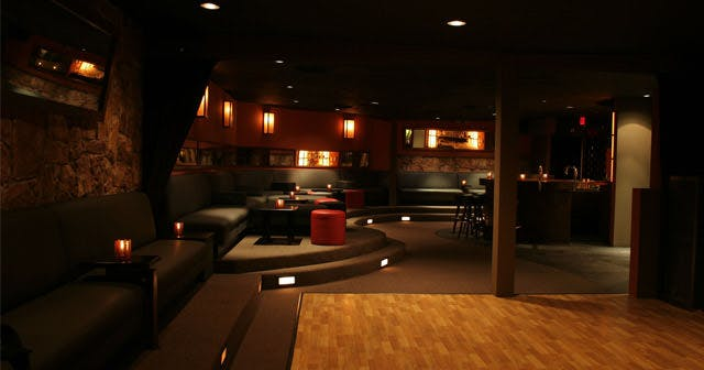 View of the interior of Skinny's Lounge after getting free guest list